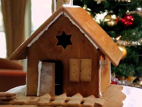 Cooking with Karine: Gingerbread House