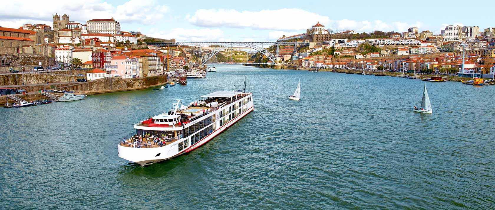 Viking Hemming in Porto, Portugal