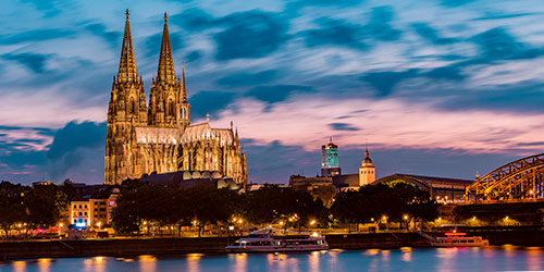 The Cologne Cathedral lit up at night