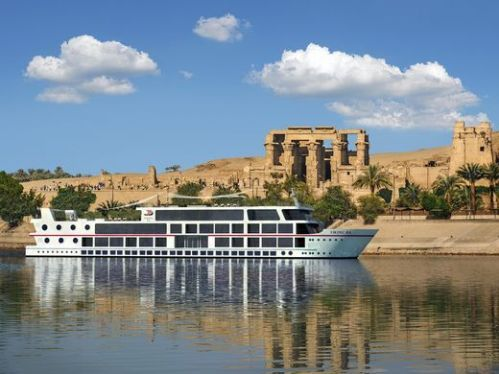 MS Antares sailing past the Temple of Kom Ombo